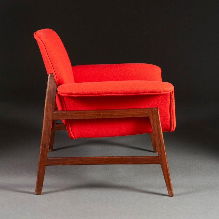 Pair of Midcentury Italian Armchairs upholstered in Danish Wool In Good Condition For Sale In London, GB