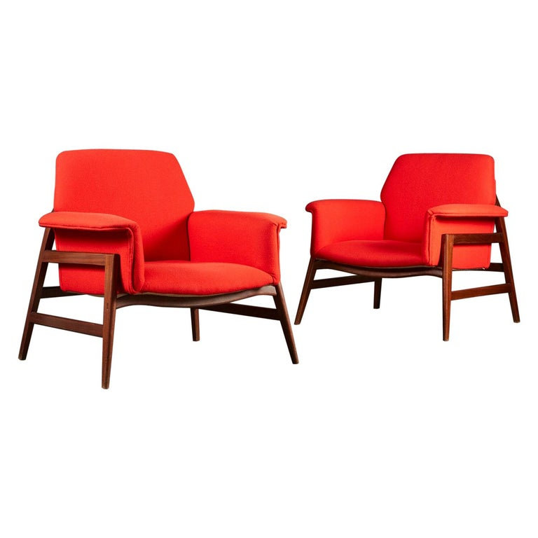 Pair of Midcentury Italian Armchairs upholstered in Danish Wool For Sale