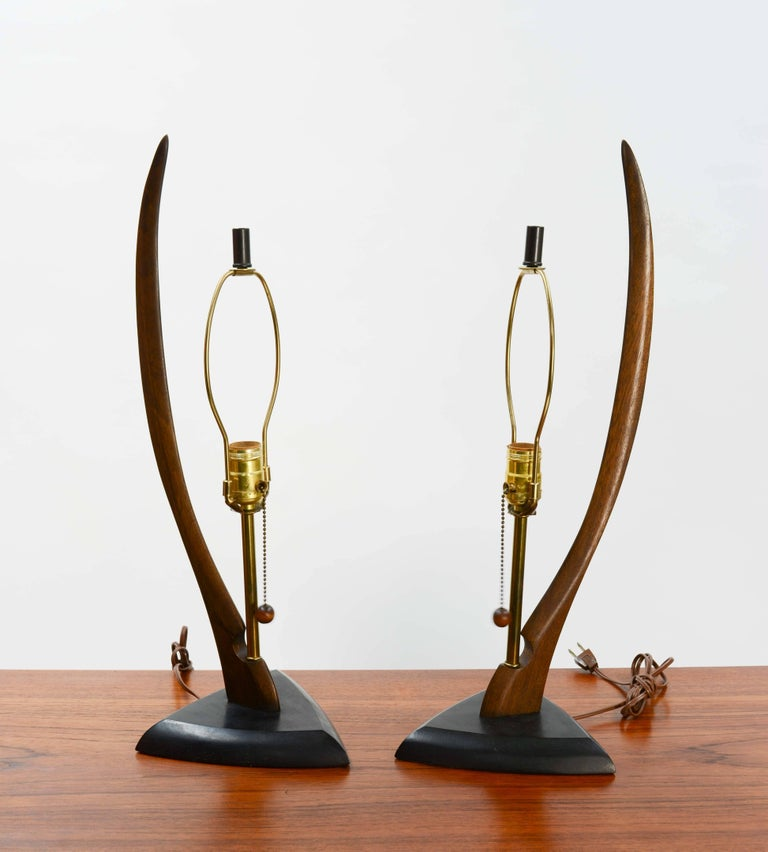 Mid-20th Century Pair of Modeline Lamps of California with Sweeping Body For Sale