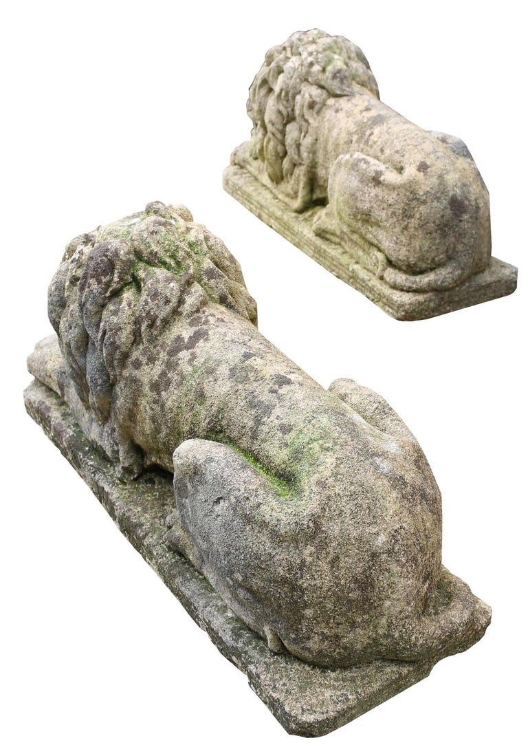 English Pair of Neoclassical Style Carved Limestone Lions For Sale