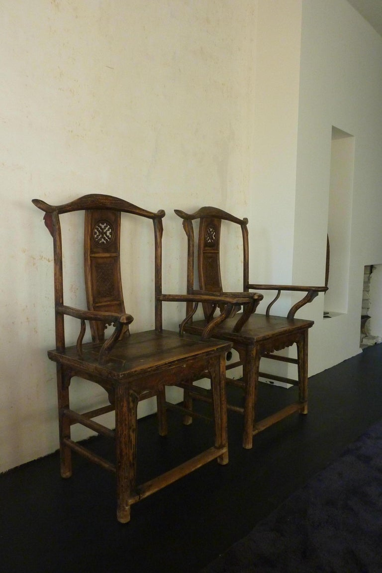 A Pair of Qing Dynasty Hand Carved Wooden Chairs In Good Condition For Sale In Groningen, NL
