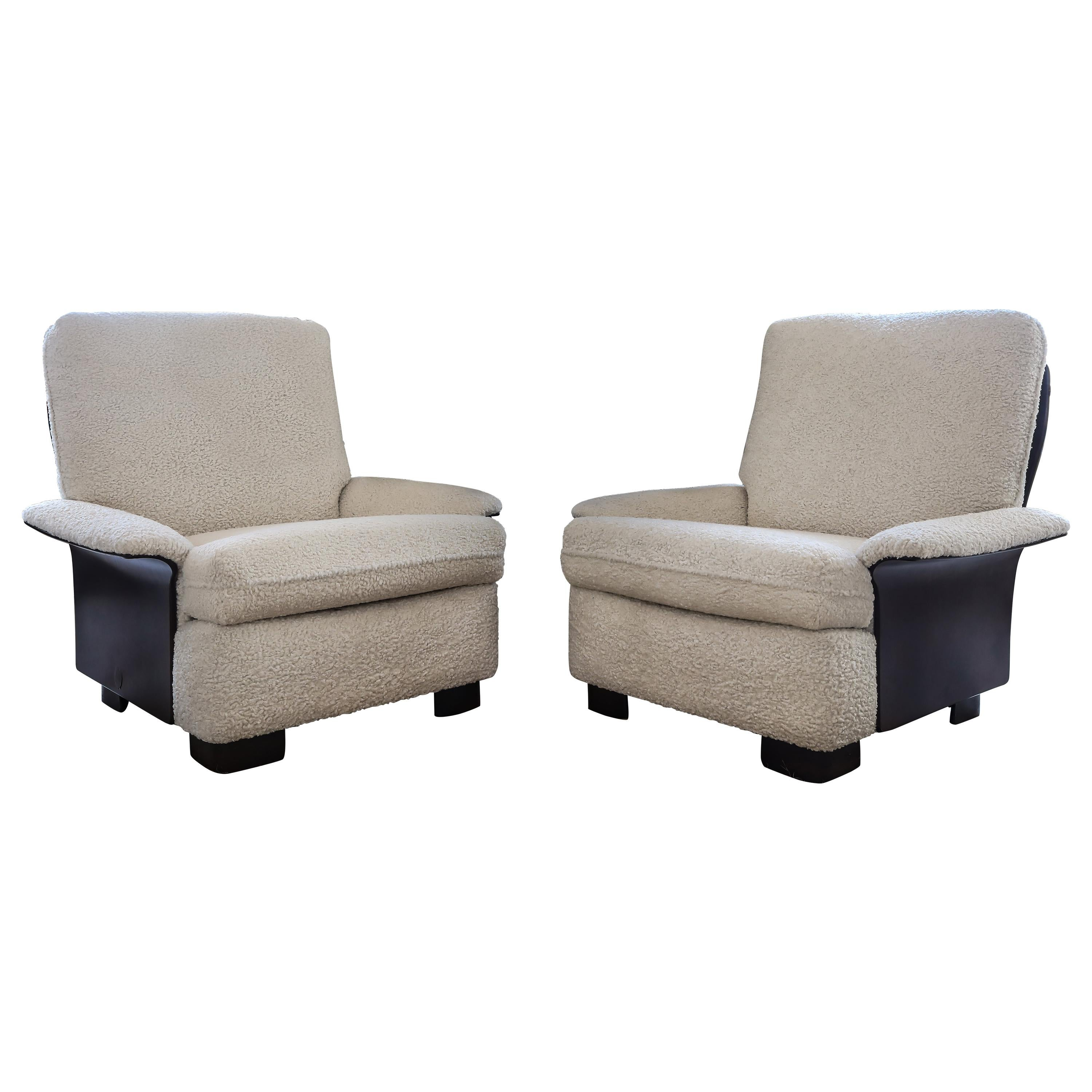 Pair of Rare Italian Lounge Chairs by Gianfranco Frattini for Cassina