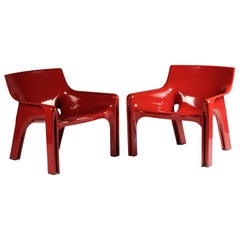 Pair of Red Vicario Lounge Chairs Design by Vico Magistretti Made by Artemide