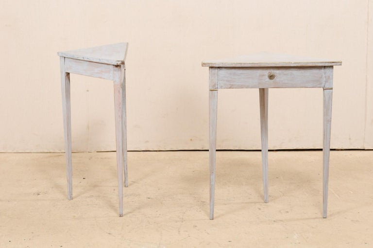 Pair of Swedish Painted Wooden Corner Tables, 19th Century For Sale 1