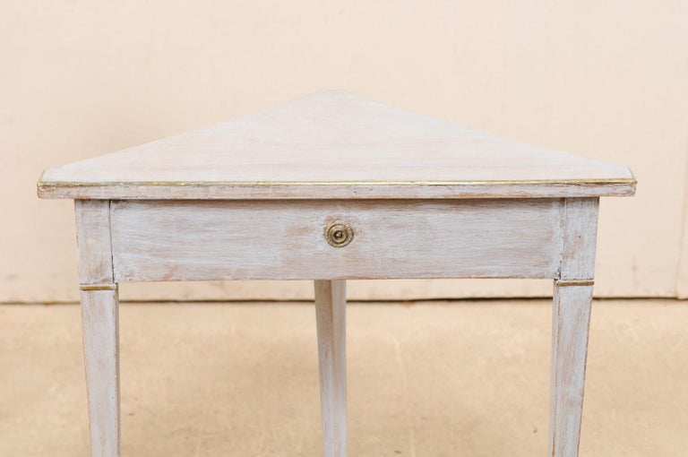 Pair of Swedish Painted Wooden Corner Tables, 19th Century For Sale 3