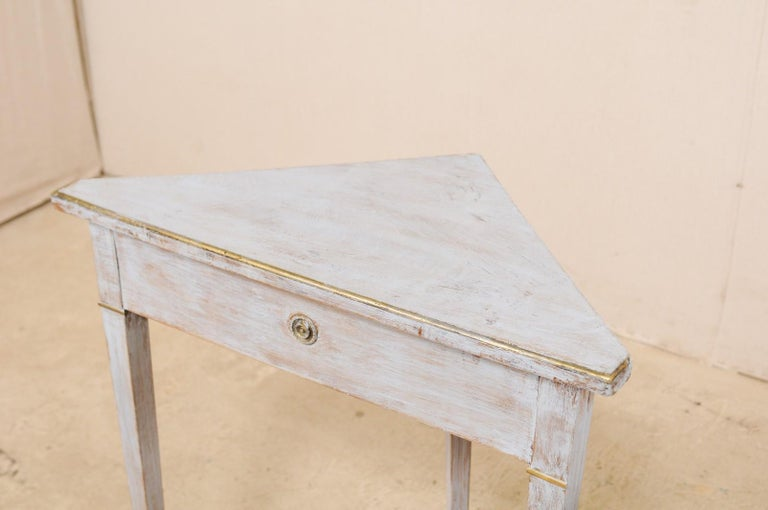 Pair of Swedish Painted Wooden Corner Tables, 19th Century For Sale 4