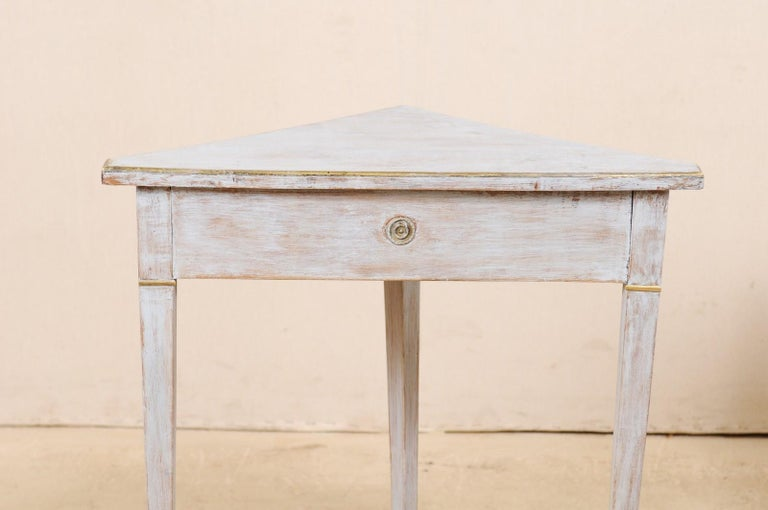 Pair of Swedish Painted Wooden Corner Tables, 19th Century For Sale 5