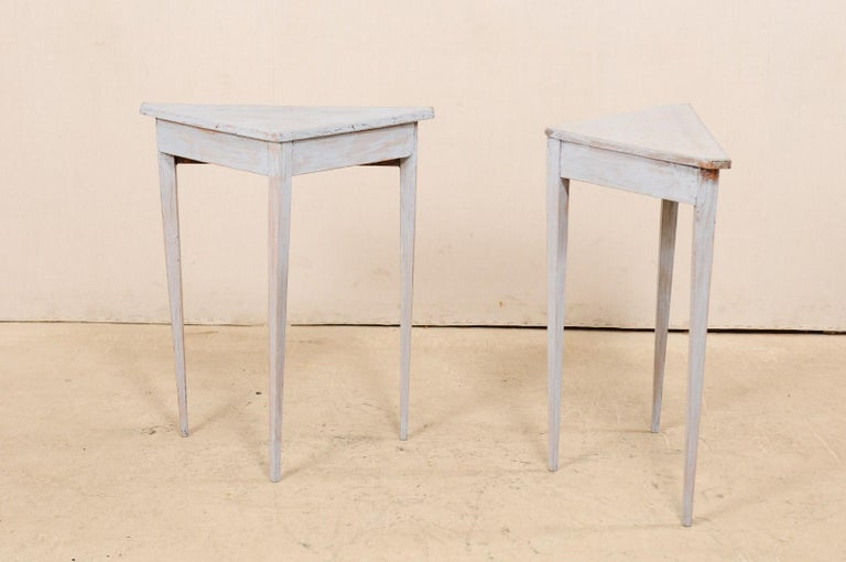 Pair of Swedish Painted Wooden Corner Tables, 19th Century For Sale 6