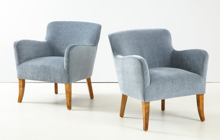 Pair of Swedish Upholstered Club Chairs, circa 1940 For Sale 1