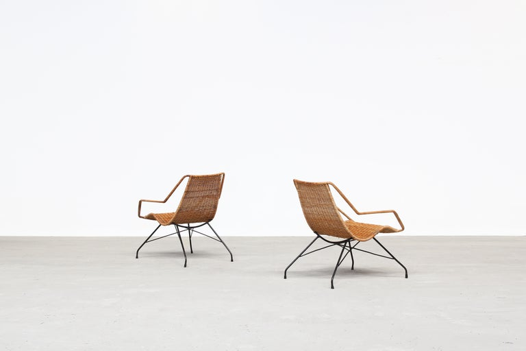 Pair of Rattan Lounge Chairs by Carlo Hauner & Martin Eisler In Good Condition For Sale In Berlin, DE