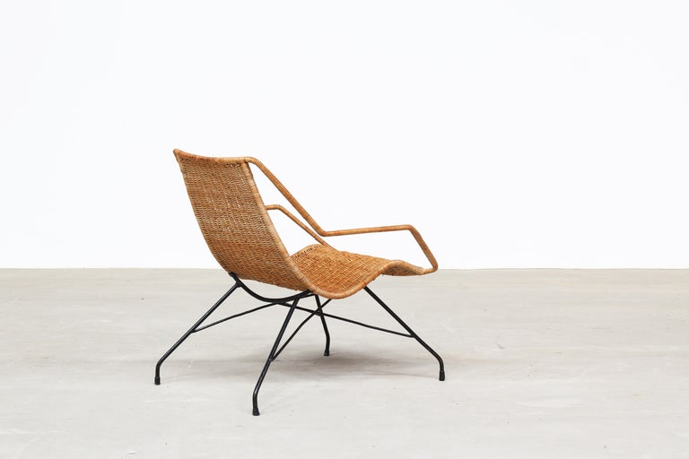 Metal Pair of Rattan Lounge Chairs by Carlo Hauner & Martin Eisler For Sale