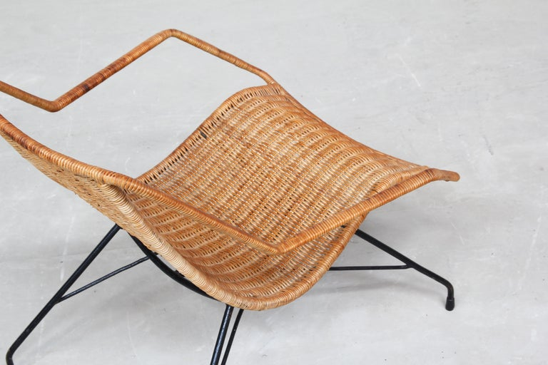 Pair of Rattan Lounge Chairs by Carlo Hauner & Martin Eisler For Sale 3