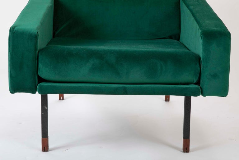Pair of Upholstered Italian Midcentury Armchairs with Walnut Tipped Legs In Good Condition For Sale In Stamford, CT