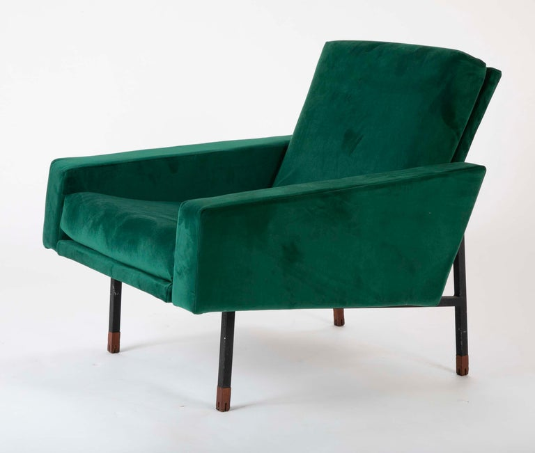 Mid-20th Century Pair of Upholstered Italian Midcentury Armchairs with Walnut Tipped Legs For Sale