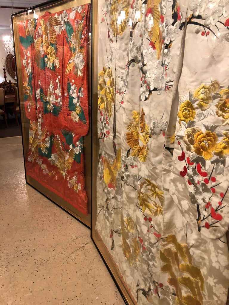 Pair of Vintage Kimono Wedding Robes in Glass Frames For Sale 10