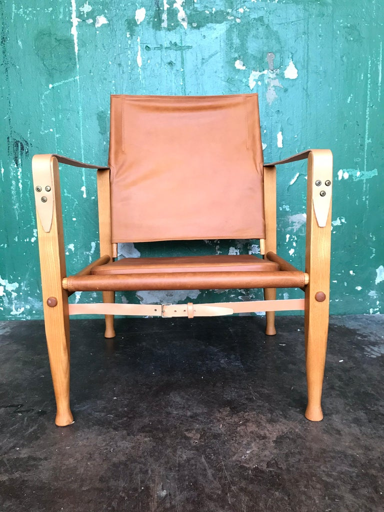 Pair of Vintage Refurbished Kaare Klint Safari Lounge Chairs For Sale 4