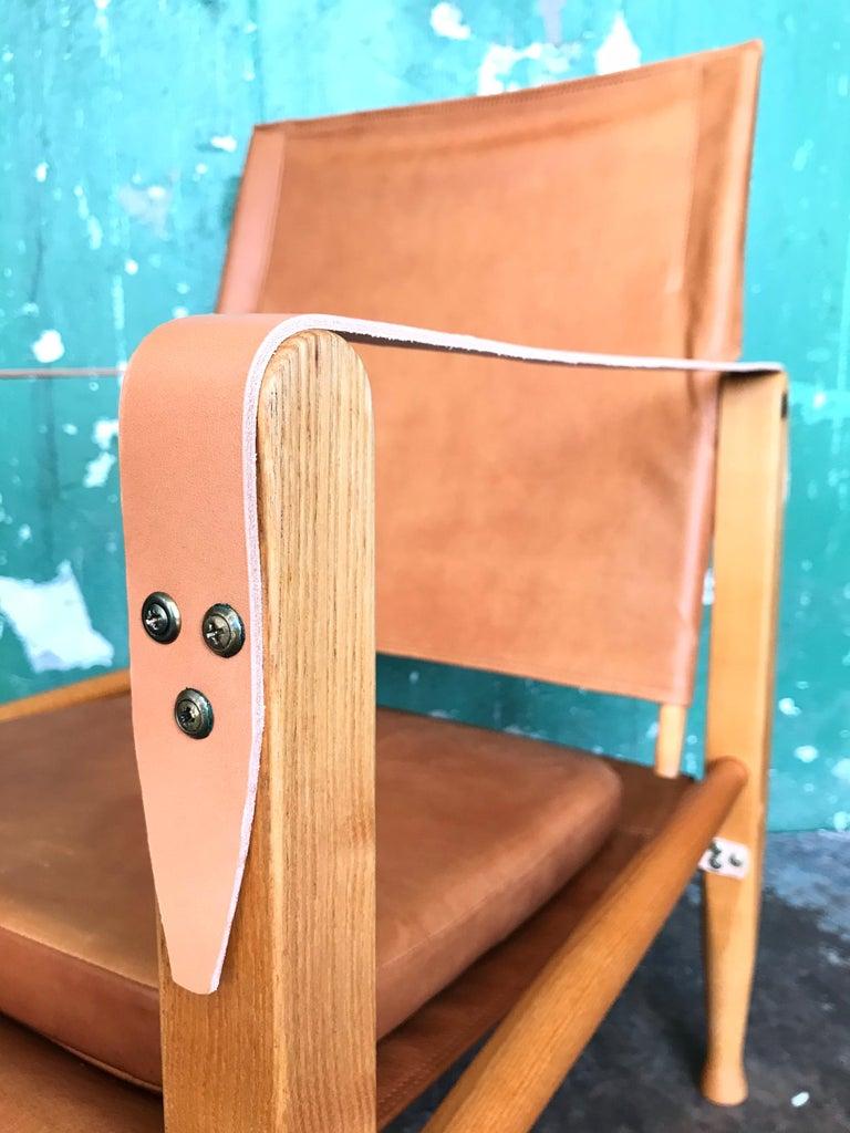 Pair of Vintage Refurbished Kaare Klint Safari Lounge Chairs For Sale 5