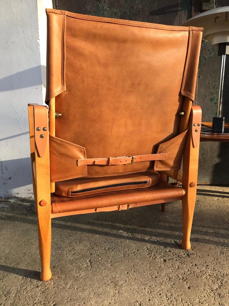 Danish Pair of Vintage Refurbished Kaare Klint Safari Lounge Chairs For Sale