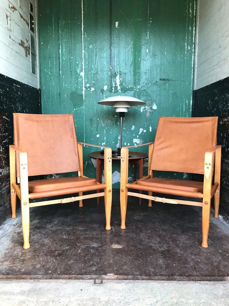 Pair of Vintage Refurbished Kaare Klint Safari Lounge Chairs In Good Condition For Sale In Søborg, DK