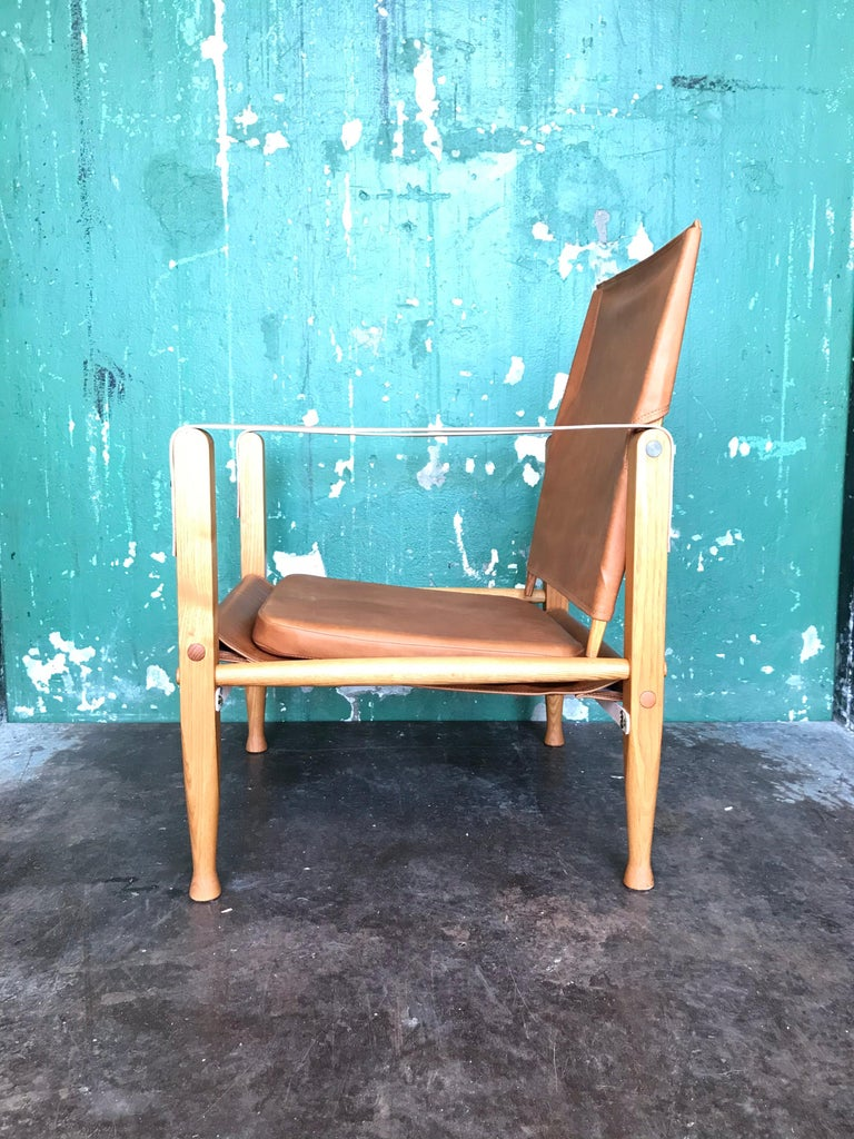 Pair of Vintage Refurbished Kaare Klint Safari Lounge Chairs For Sale 1