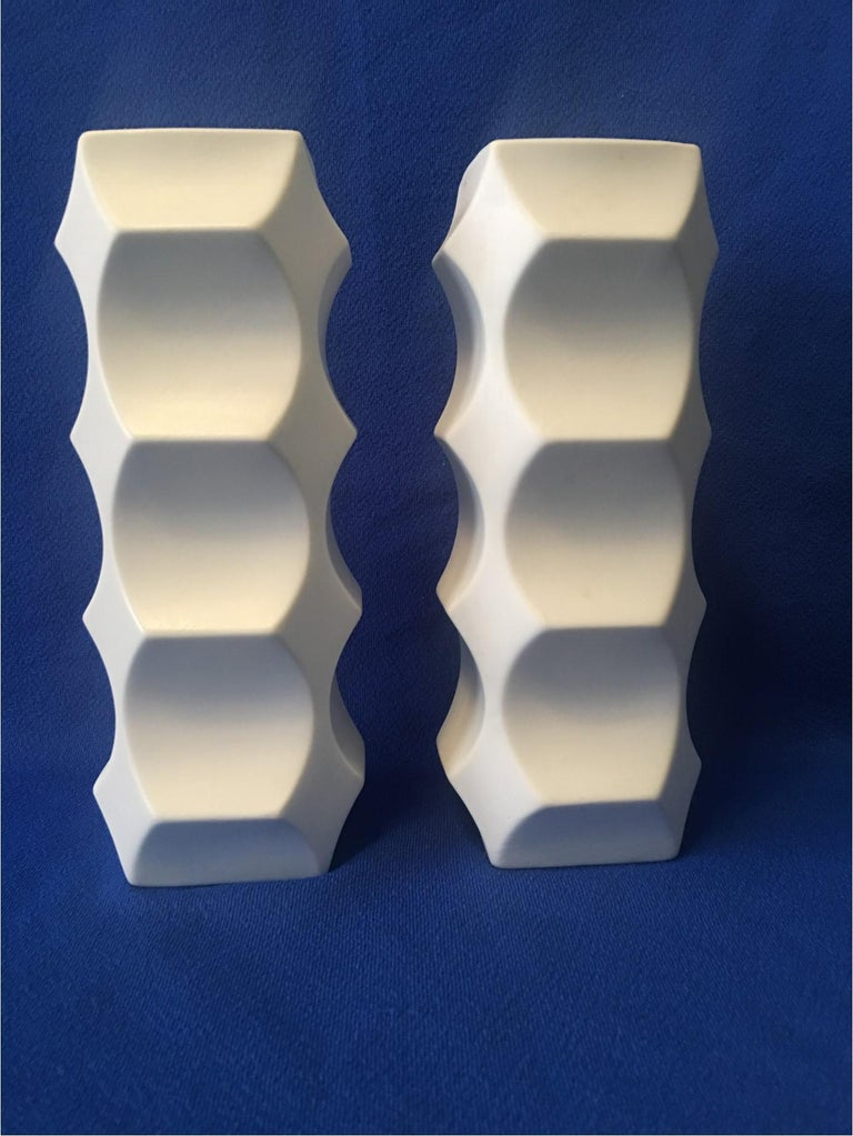 Pair of White Matte Vases by Heinrich Fuchs, Hutschenreuther Germany For Sale 1