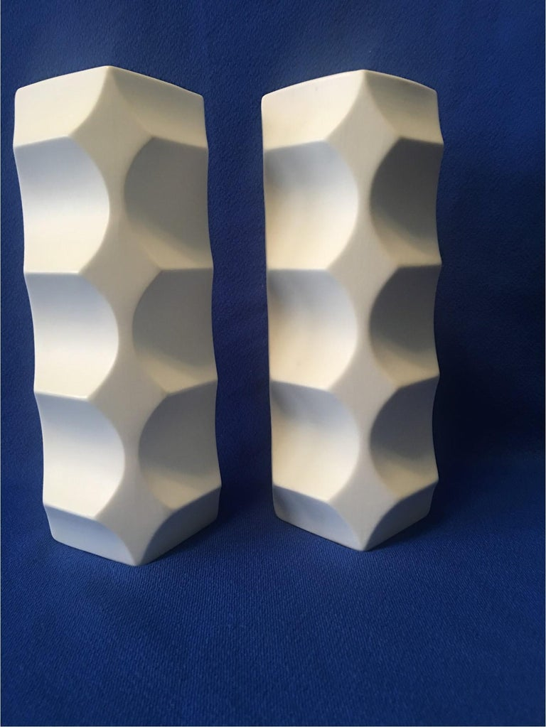 Pair of White Matte Vases by Heinrich Fuchs, Hutschenreuther Germany For Sale 2