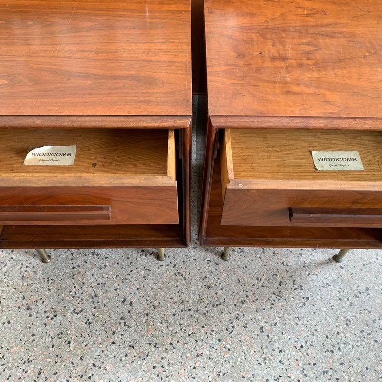 American Pair of Widdicomb Nightstands with Brass Legs For Sale