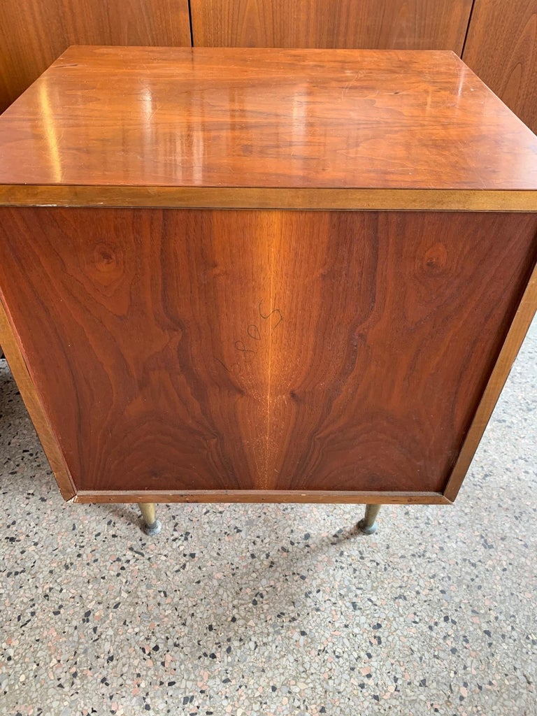Mid-20th Century Pair of Widdicomb Nightstands with Brass Legs For Sale