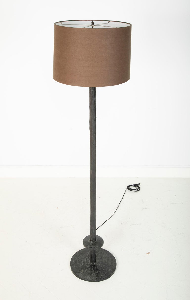 Mid-Century Modern Patinated Bronze Floor Lamp in the Manner of Giacommeti For Sale