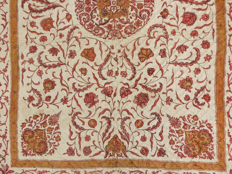 A Quilting Indian Chintz Palampore And Taffeta Bedcover Circa 1720/1750  For Sale 4