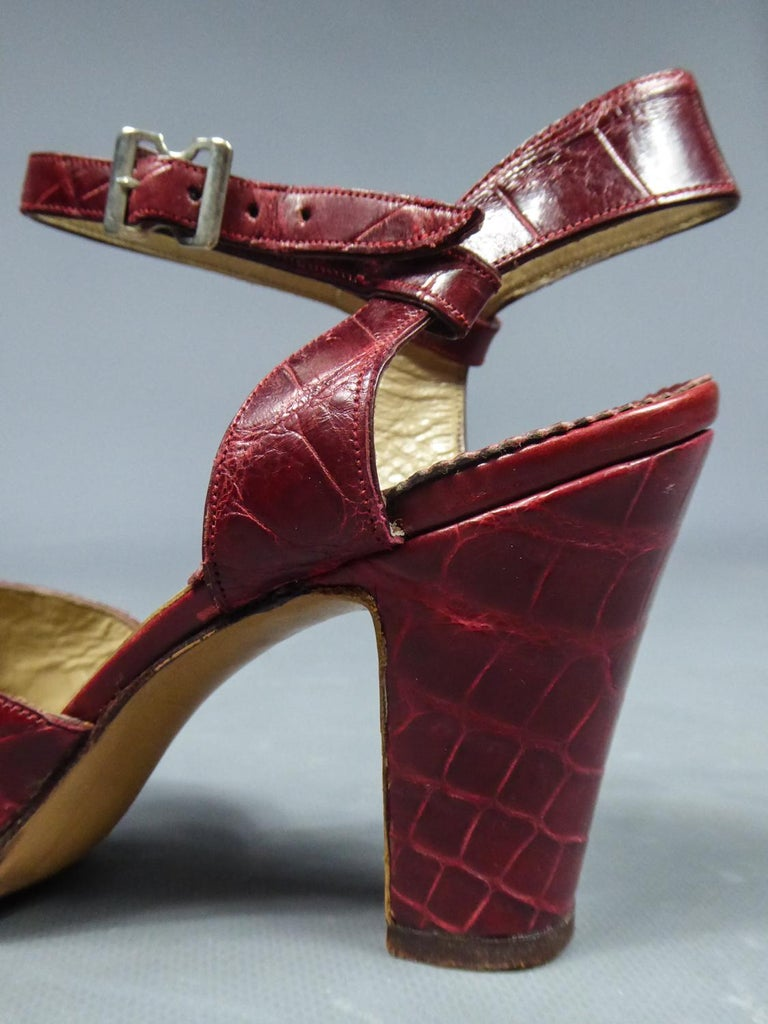 A Rare François Pinet Pair of Shoes in Leather Circa 1935  For Sale 6