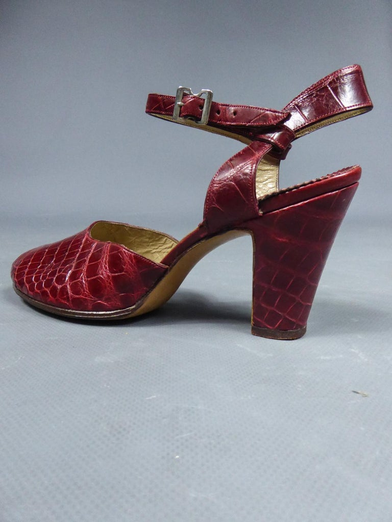 A Rare François Pinet Pair of Shoes in Leather Circa 1935  For Sale 7