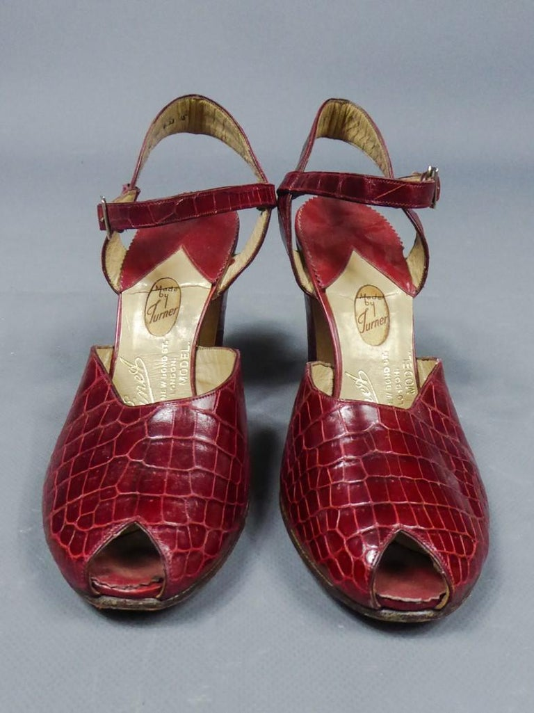 Circa 1935 England  Rare pair of shoes in leather for collection signed François Pinet, famous luxury bootmaker in Paris and London and dating from the 1930s. These shoes were accompanied by a Bordeaux Haute Couture Dress by Nicole Groult who worked