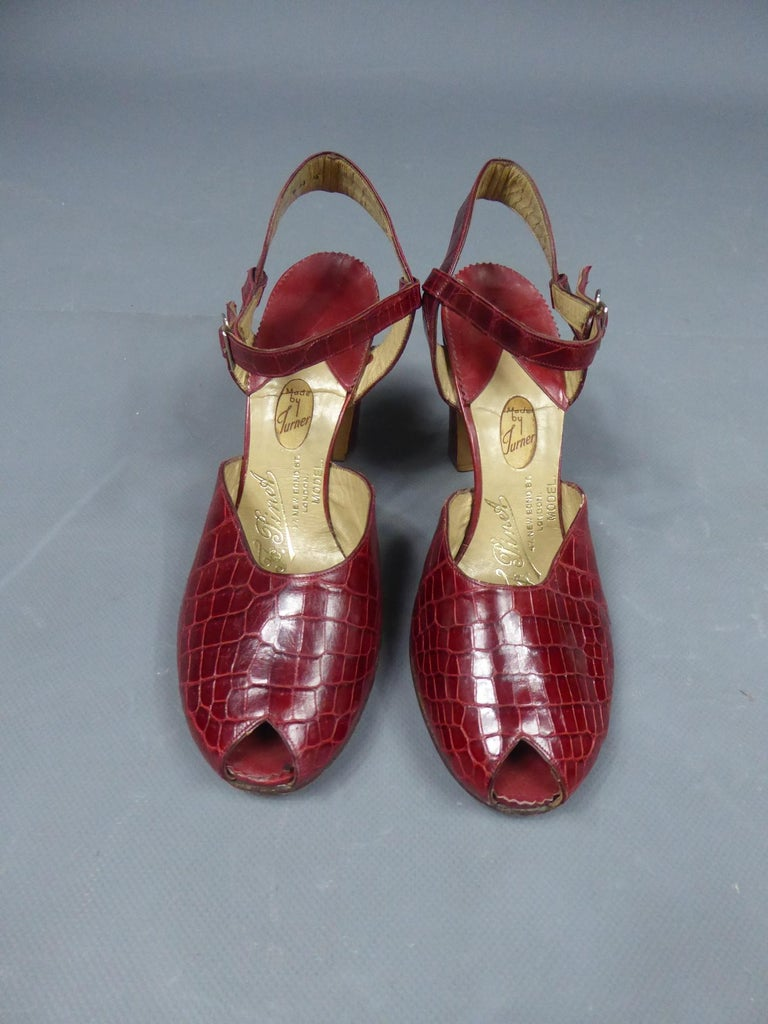 Brown A Rare François Pinet Pair of Shoes in Leather Circa 1935  For Sale