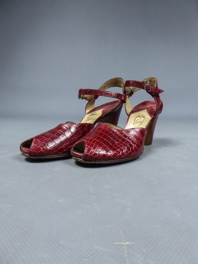 A Rare François Pinet Pair of Shoes in Leather Circa 1935  In Good Condition For Sale In Toulon, FR