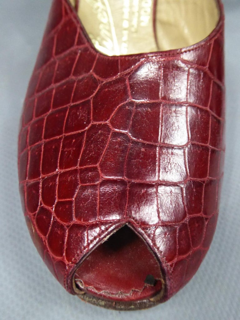 A Rare François Pinet Pair of Shoes in Leather Circa 1935  For Sale 2