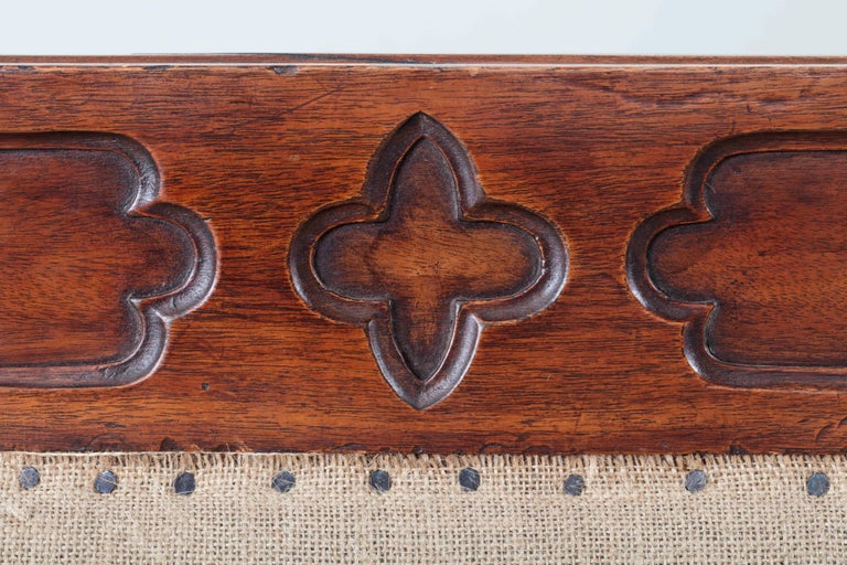 Hand-Carved Rare George III Mahogany Saddle Seat Settee of Unusual Gothic Design For Sale