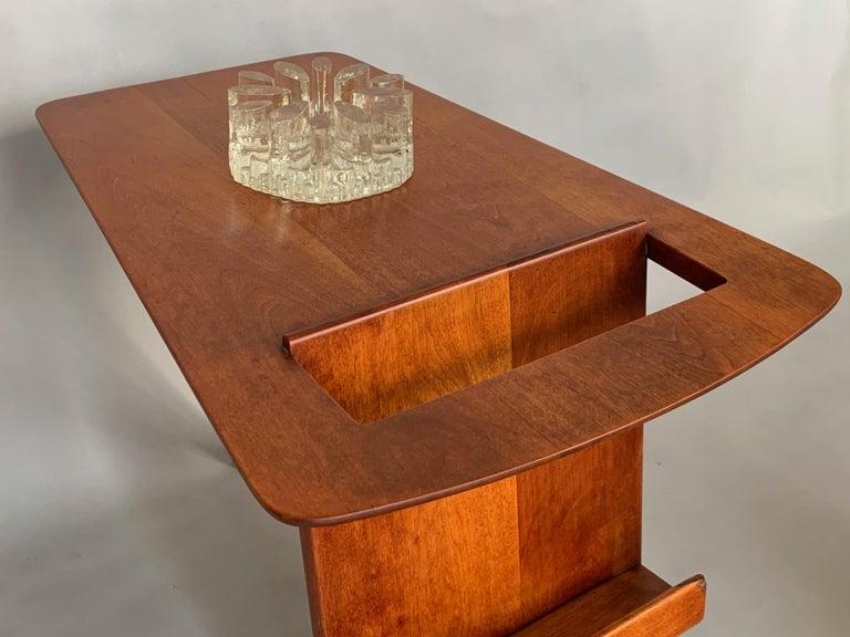 Mid-20th Century Rare Jens Risom Magazine Table For Sale