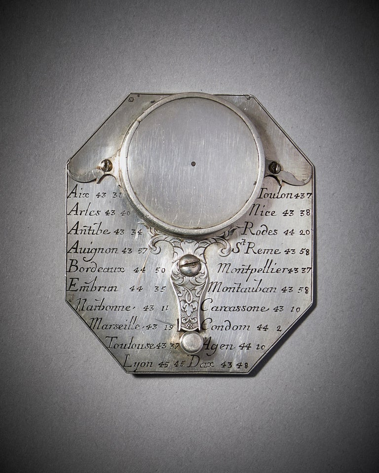 French Rare Silver Pocket Sundial and Compass by Michael Butterfield, Paris, circa 1700 For Sale