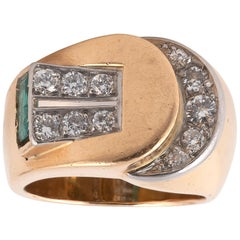 Retro Diamond Emerald and 18 Karat Gold Ring, circa 1945