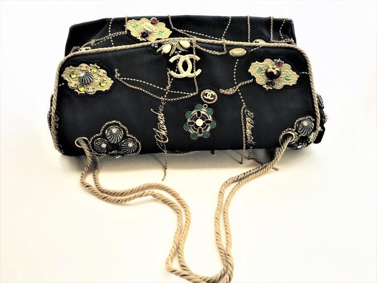 A RUNWAY PROTOTYPE of a CHANEL Jumbo denim bag  2007-2008A   In Excellent Condition For Sale In Stuttgart, DE