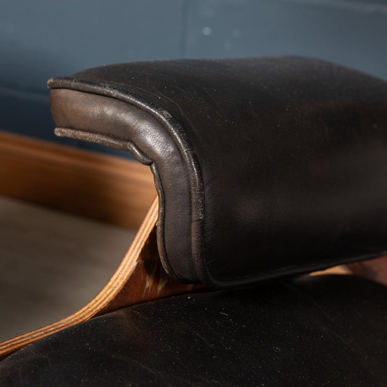 Second Series Eames Lounge Chair & Ottoman, Herman Miller, Circa 1970 For Sale 9
