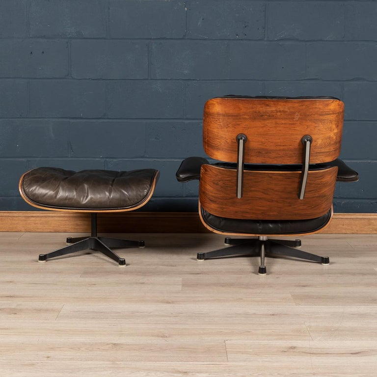 Second Series Eames Lounge Chair & Ottoman, Herman Miller, Circa 1970 In Fair Condition For Sale In London, London
