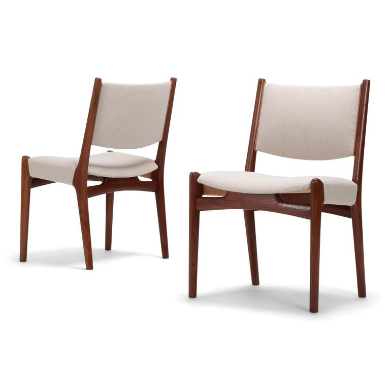 Scandinavian Modern Set of 10 Chairs by Hans Wegner, Made by Cabinetmaker Johannes Hansen For Sale