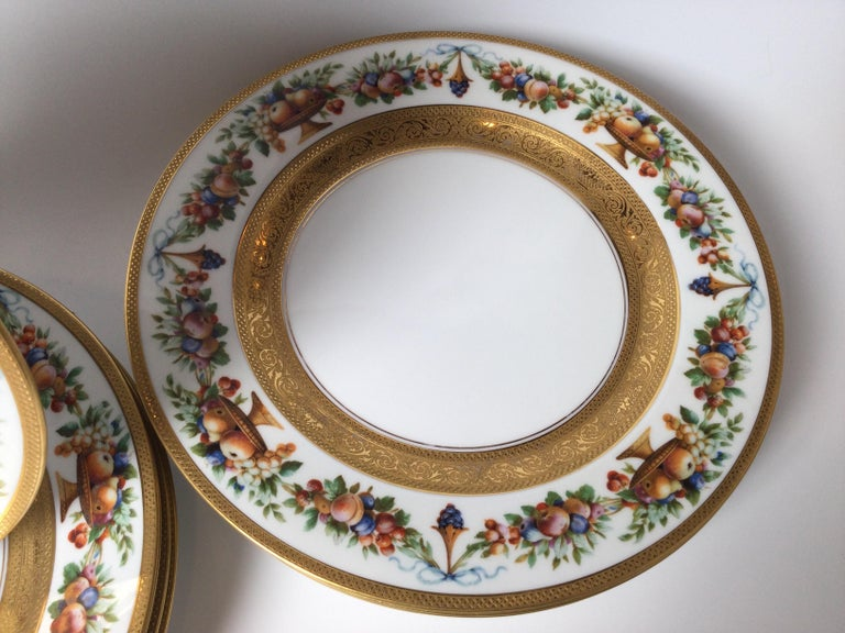 Set of 12 Gilt Banded Service Dinner Plates with Fruit Borders For Sale 1