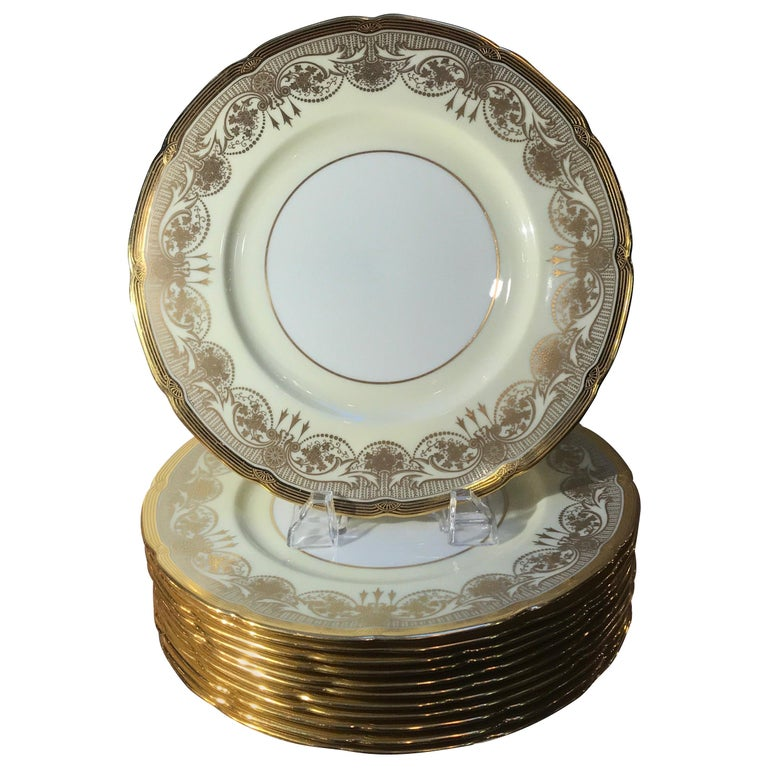 A Set of 12 Gold Encrusted Service Dinner Plates For Sale