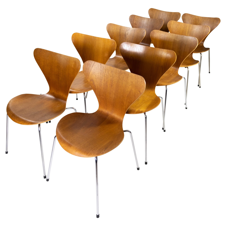 Set of 12 Series Seven Chairs, Model 3107, of Teak Designed by Arne Jacobsen