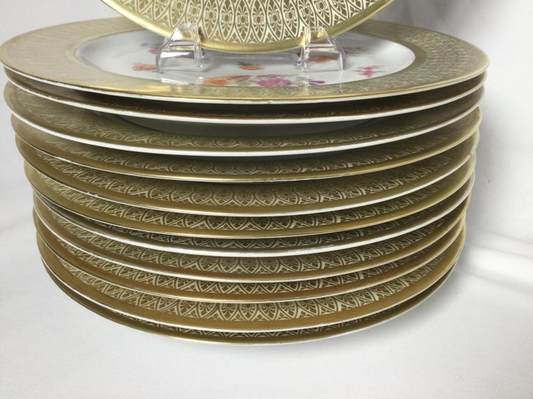 German Set of 12 Tirschenreuth Porcelain Service Plates For Sale