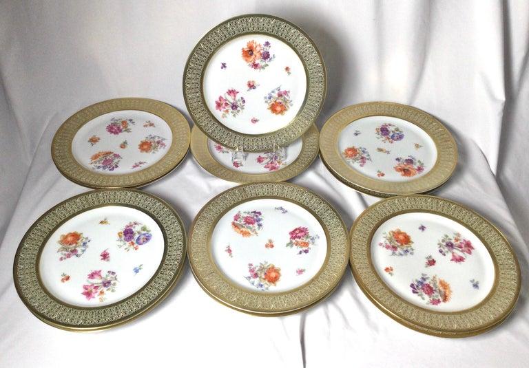 Set of 12 Tirschenreuth Porcelain Service Plates In Good Condition For Sale In Lambertville, NJ