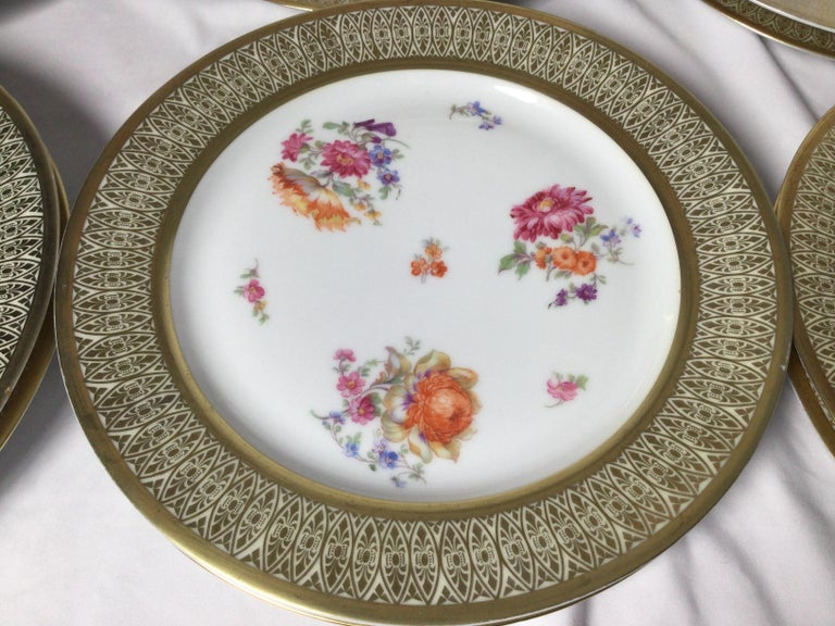 Early 20th Century Set of 12 Tirschenreuth Porcelain Service Plates For Sale